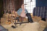 Barby Slut. Barn Baby Barn Free Pic 5