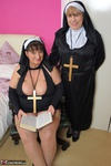 SpeedyBee. Convent Capers Free Pic 12