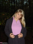 SweetSusi. Naken In The Woods With My Dildo Free Pic 2