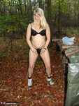 SweetSusi. Naken In The Woods With My Dildo Free Pic 7