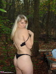 SweetSusi. Naken In The Woods With My Dildo Free Pic 8