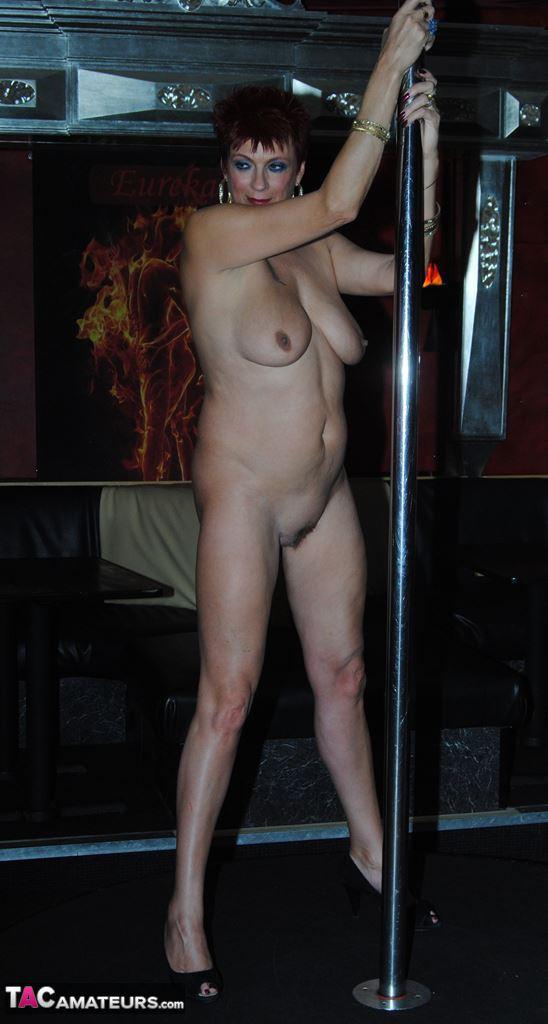 Amatuer pole dancer