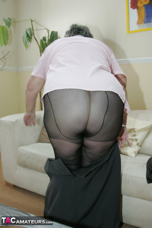 For More Free Pantyhose Gallery Pics Movie 66