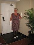 Girdle Goddess. White Stilettos Free Pic 2