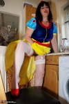 JuiceyJaney. Snow White & Her Yellow Marigolds Pt1 Free Pic 2