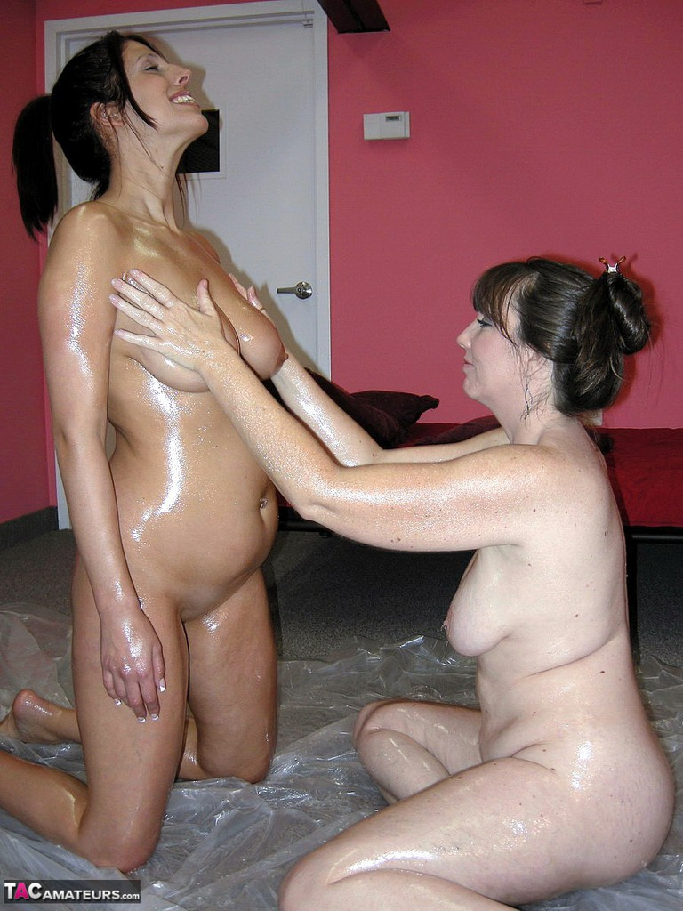 Oil Lesbian Porn