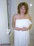 Curvy Claire. Shower Free Pic 1