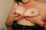 Juicey Janey. Rolling About On The Floor Free Pic 8