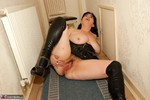 Juicey Janey. Rolling About On The Floor Free Pic 13