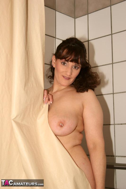 Reba (Texas) sous la douche