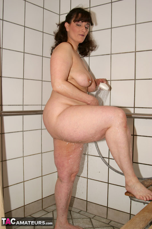 Striptease in shower
