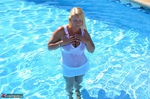 SweetSusi. Wet T-Shirt At The Pool Free Pic 1