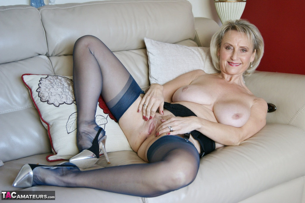 Sugarbabe-A Nice Good Tit Wank & Jerk Off Pictures