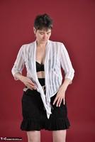 Hot Milf. Black & White Free Pic 4