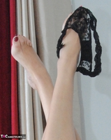 Dimonty. Dimonty Removes Her Panties Free Pic 1