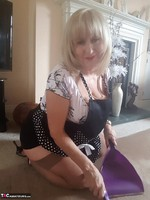 . A Very Naughty Housewife Free Pic 10
