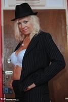 . Suit Strip Free Pic 7