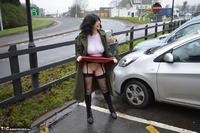BarbySlut. Barby Flashing In Public 2 Free Pic 4