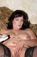 Reba. Let Em Eat Cake Or Me Free Pic 14