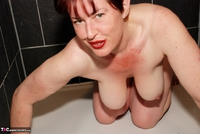 JuiceyJaney. Shaved Shower Free Pic 13