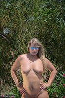 SweetSusi. In Pink By The Pool Free Pic 17