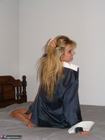 KissAlissa. Dress Shirt & Glass Dildo Free Pic 1