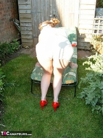 Curvy Claire. Sunbathing Pt1 Free Pic 3