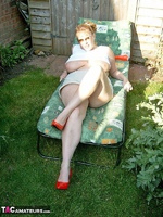 Curvy Claire. Sunbathing Pt1 Free Pic 7