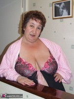 KinkyCarol. Pink Dressing Gown With Black Nightie Pt1 Free Pic 8