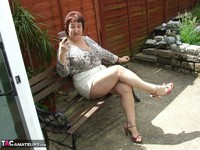 Kinky Carol. Relaxing In The Garden Pt1 Free Pic 1