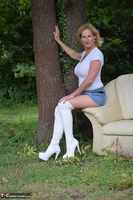 MollyMILF. Sofa In The Woods Free Pic 4