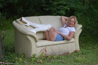 MollyMILF. Sofa In The Woods Free Pic 13
