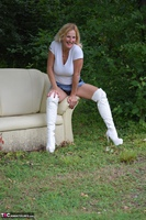 MollyMILF. Sofa In The Woods Free Pic 14