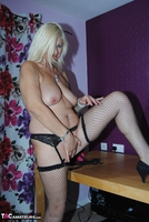 PlatinumBlonde. Pussy On Show Free Pic 4