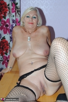 PlatinumBlonde. Pussy On Show Free Pic 10
