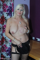 PlatinumBlonde. Pussy On Show Free Pic 19