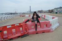 BarbySlut. Barby Does Blackpool Free Pic 19