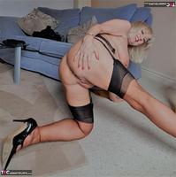 . Slow Sensual Striptease Free Pic 15