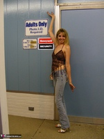 Kiss Alissa. Adult Book Store Free Pic 1