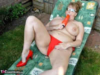 Curvy Claire. Sunbathing Pt2 Free Pic 1