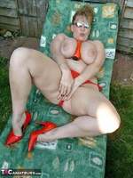 Curvy Claire. Sunbathing Pt2 Free Pic 2