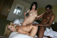 RichardMann. Daisy Rock and Totally Tabitha sharing a big black cock Free Pic 9