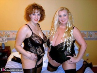 CurvyClaire. Claire's Lesbo Fun With Sam Free Pic 1