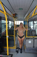 Sweet Susi. Naked On The Bus Free Pic 1