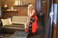 Barby Slut. Barby's Red Dress & Shoes Free Pic 4