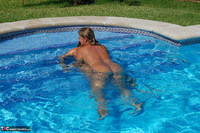 Sweet Susi. Two Hot Girls In The Pool Free Pic 2