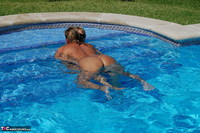 Sweet Susi. Two Hot Girls In The Pool Free Pic 3
