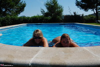 SweetSusi. Two Hot Girls In The Pool Free Pic 12