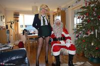 BarbySlut. Barby & Naughty Santa Free Pic 1