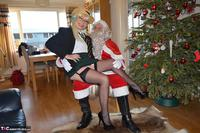 BarbySlut. Barby & Naughty Santa Free Pic 3